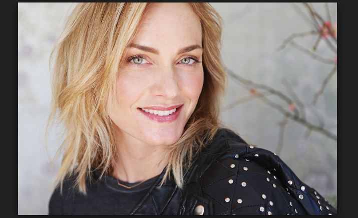 net worth de Amber Valletta