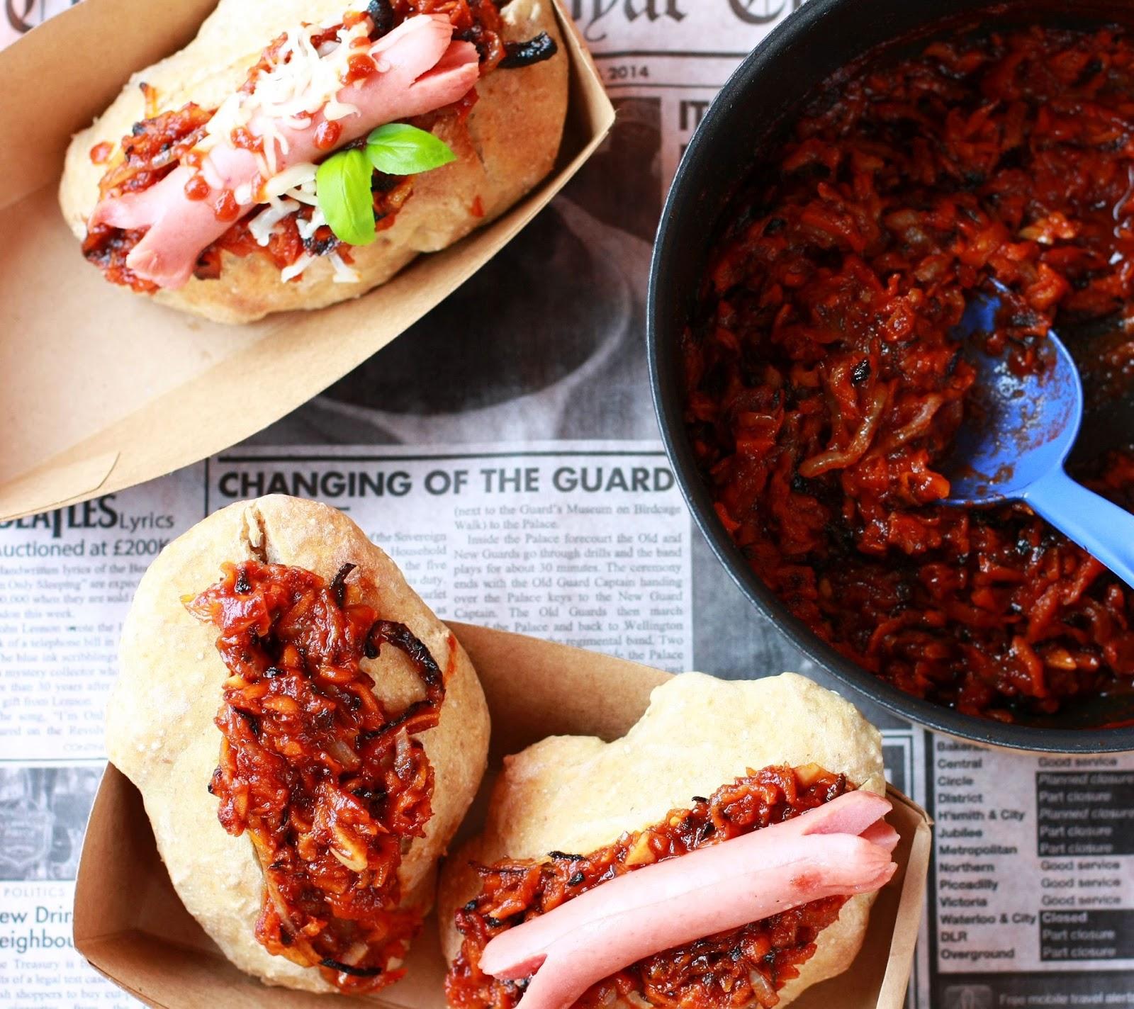 nyhtöporkkanahodarit hot dog hodari nyhtöporkkana kasvisruoka katuruoka mallaspulla