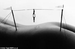 fotos blanco y negro del cuerpo femenino