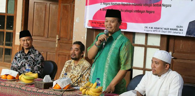 Hidayat Nur Wahid: Jalan Berliku Menuju NKRI