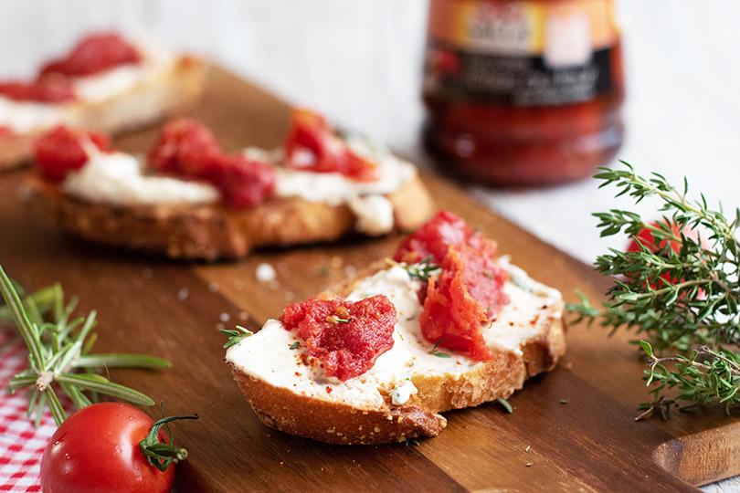 recette Tartinade de chèvre et tomates rôties