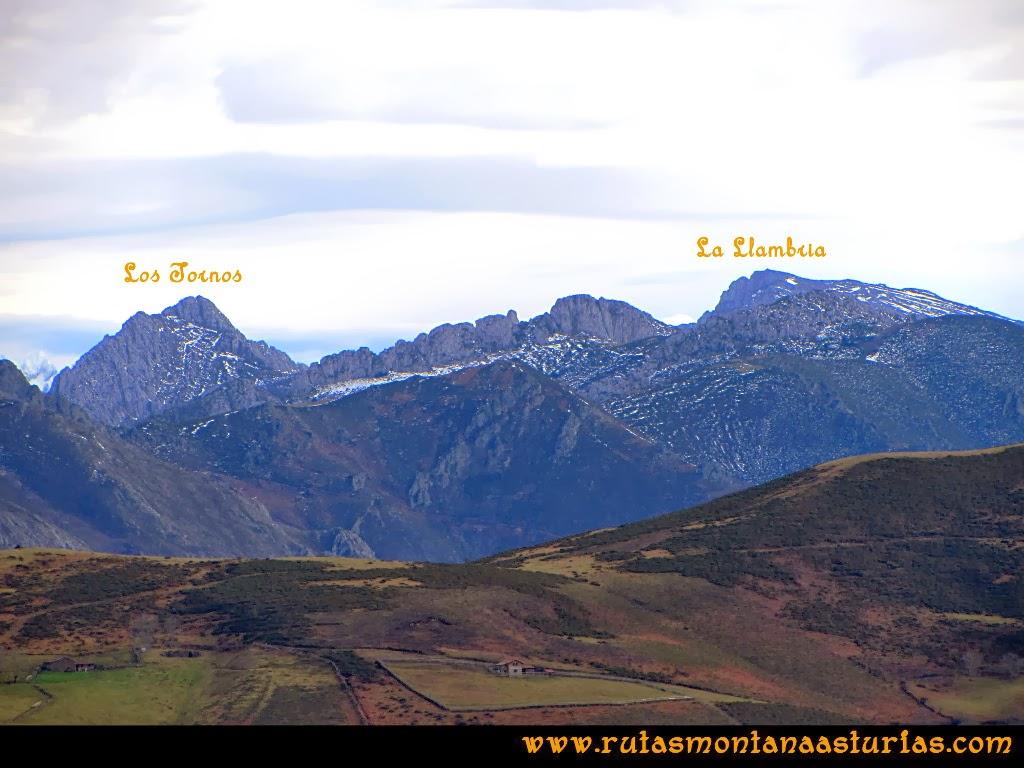 Vista de las montañas losTornos y la Llambria