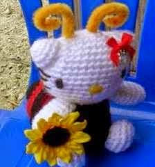 HELLO KITTY, ABEJA, BEE, AMIGURUMI