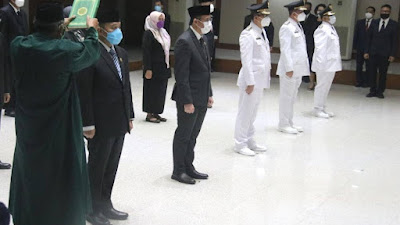 Gubernur DKI Jakarta Lantik 13 Pejabat Pemprov, Ini Daftarnya