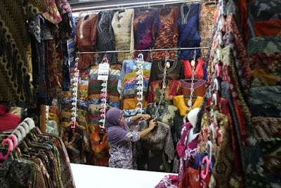 Jenis Pakaian Batik yang dijual di Pasar Klewer