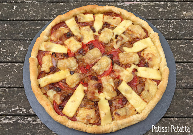 tarte à la moutarde, tarte à la tomate, recette de tarte tomates et moutarde, recette de tarte salée, oignons nouveaux, raisins secs, emmental, tomates du jardin, végétarien, tarte végétarienne, plat principal, patissi-patatta