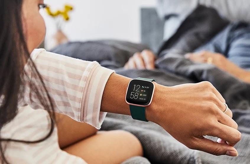 Monitora quanto russi di notte con il tuo smartwatch Fitbit