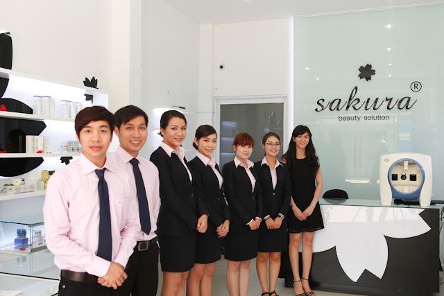 Showroom mỹ phẩm Sakura chính hãng