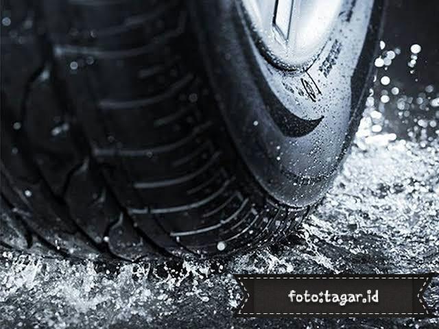 Tips Pintar Memilih Ban Mobil di Musim Hujan