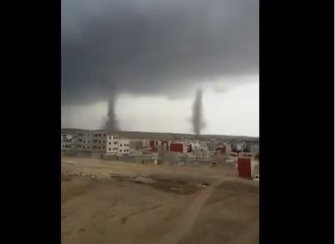 """Tornados """"gemelos"""" cruzan ciudad marroquí (video)"""