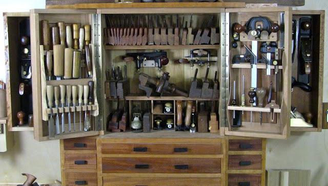 http://woodworkingplansproj.com