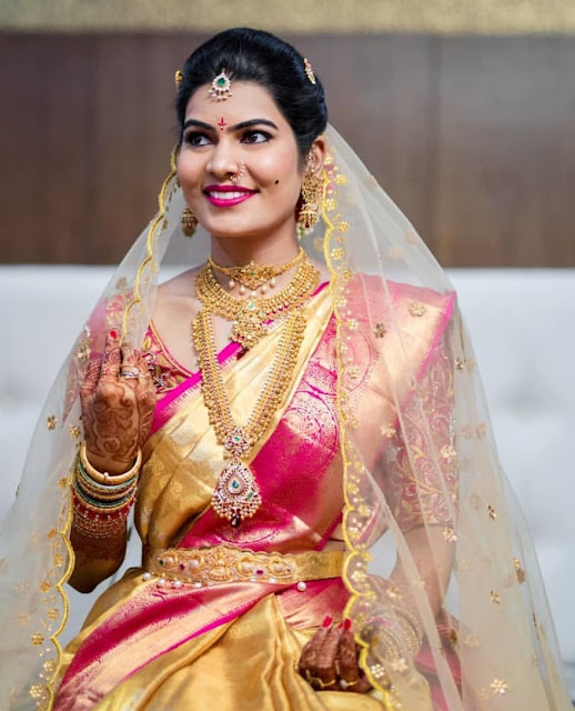 Bride in Antique Muvvala Haram