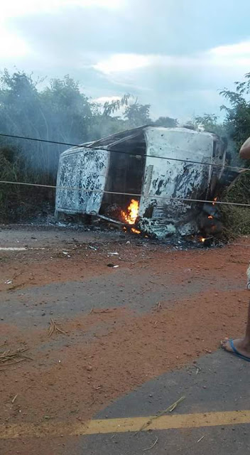 Dois homens morrem carbonizados em acidente de carro na MA-012