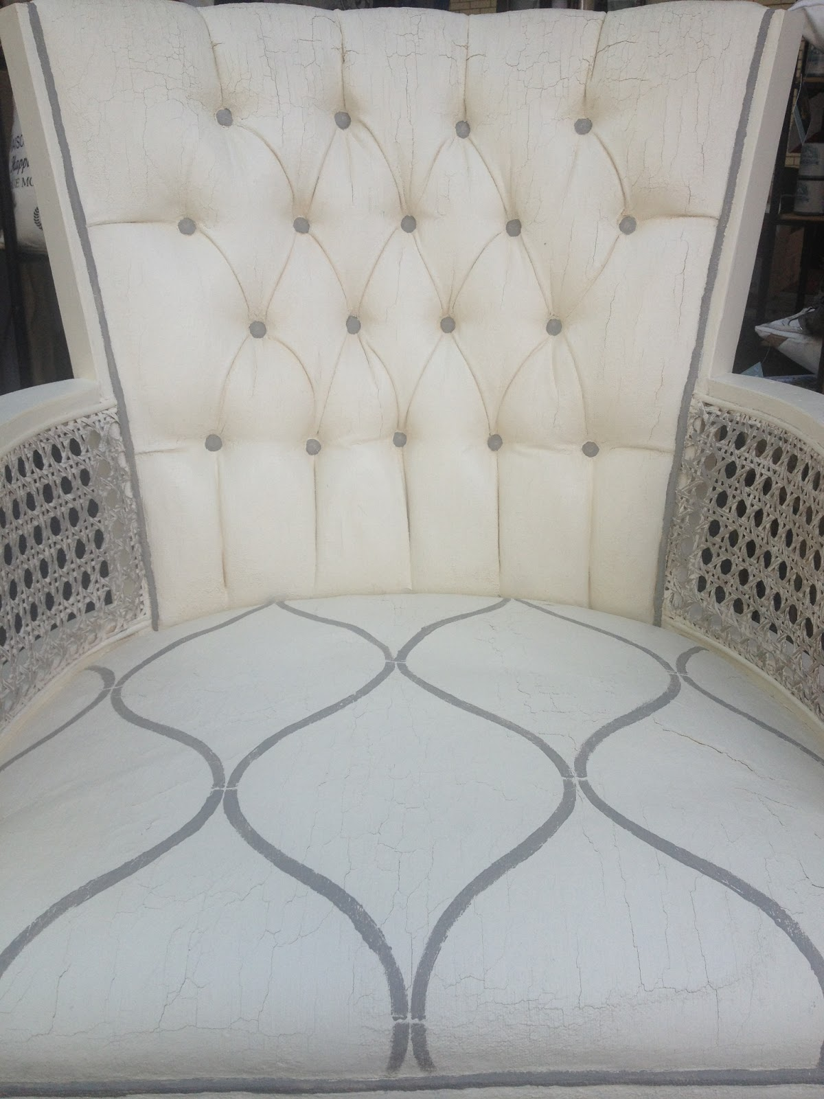 Robyn Story Designs And Boutique: PAINTING UPHOLSTERY WITH