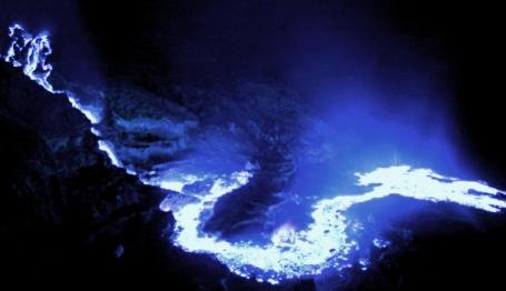 kawah ijen blue fire