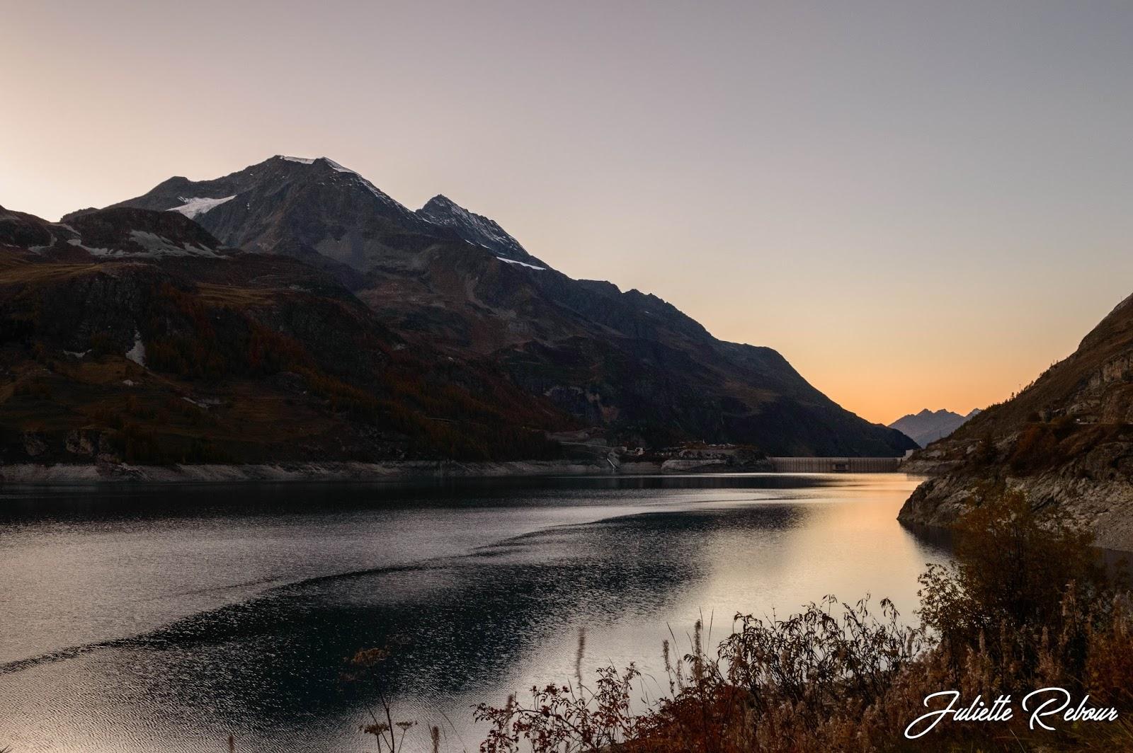 Coucher de soleil sur le lac de Tignes