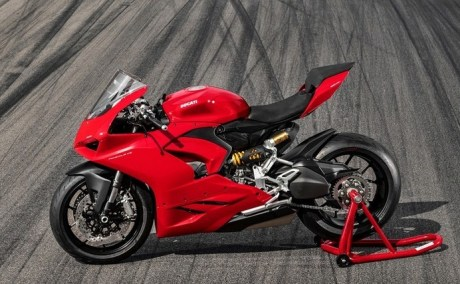 Ducati Panigale V2 Dirilis, Gantikan Panigale 959!