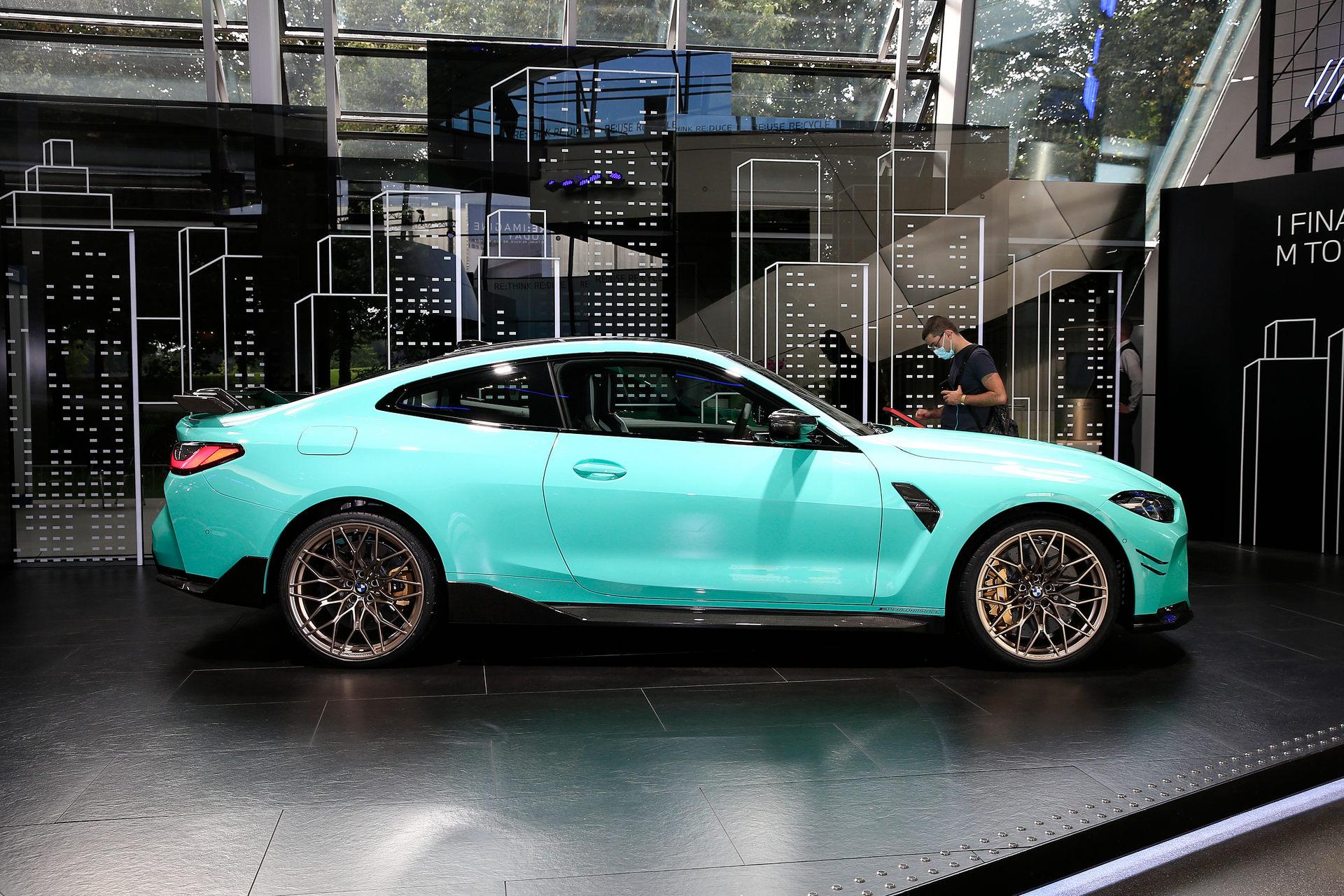 بي إم دبليو BMW M4 Competition التصميم الجانبي