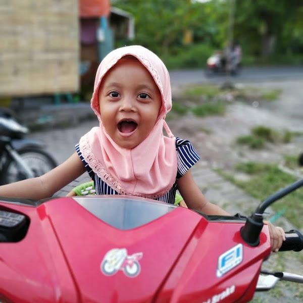Tips Bepergian Jauh Bersama Anak Menggunakan Sepeda Motor