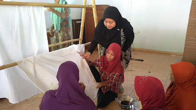 Pemdes Kalikotes, Undang Pembatik Dewa Kesambi Loano, Untuk Melatih 40 Ibu-ibu PKK