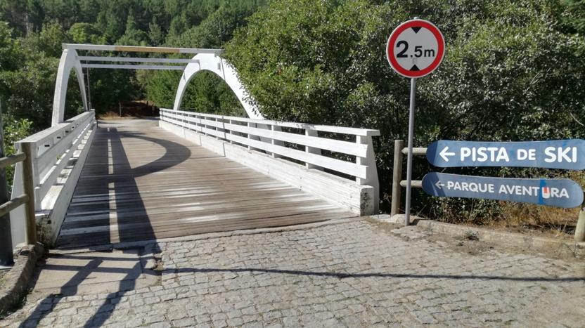 Ponte de Madeira sobre o Rio Zêzere