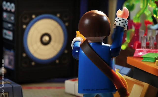 Marty Mc Fly con baffle amplificador Playmobil Back To The Future - Calendario de Adviento (©Playmobil Geobra Branstätter)