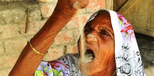 Seorang Nenek Makan Pasir Sepanjang Hidupnya, Kok Bisa Ya...?