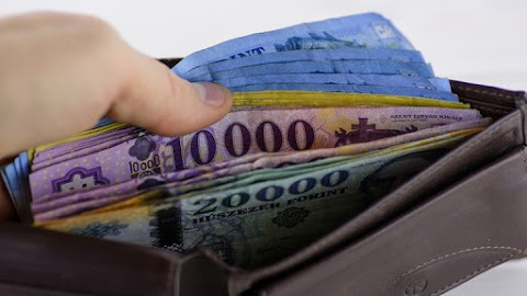 A szolgáltatások bővülése is fölfelé húzta a magyar GDP-t