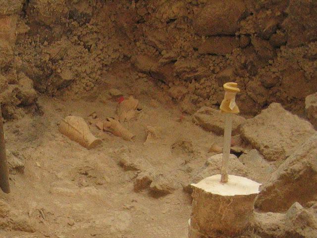 Evidence of tsunami destruction found at Akrotiri before Thera eruption