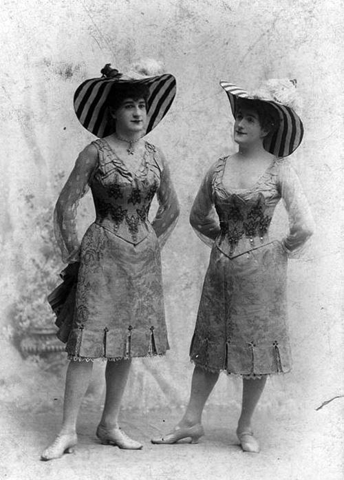 Professional femulator, circa 1905