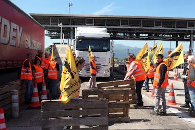 Des camions marocains saccagés et brûlés, des marchandises détruites en Espagne et l'ASMEX dénonce ces actes