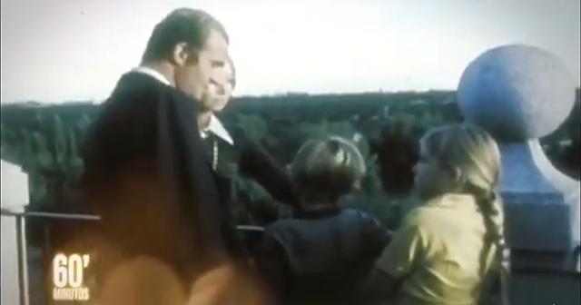 Un vídeo viral del rey Juan Carlos con sus hijos en los 70 incendia las redes