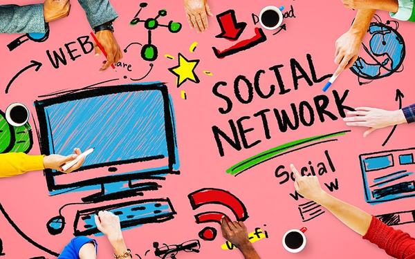 How to Start a Business Based on Social Media