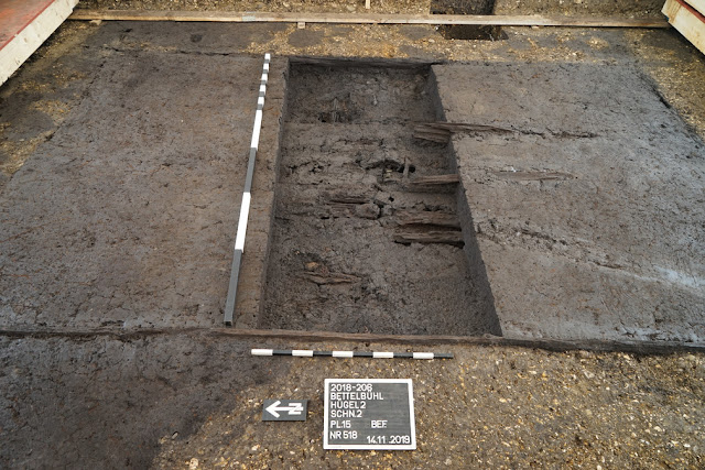 Block excavation of early Celtic tomb near the Heuneburg in southern Germany