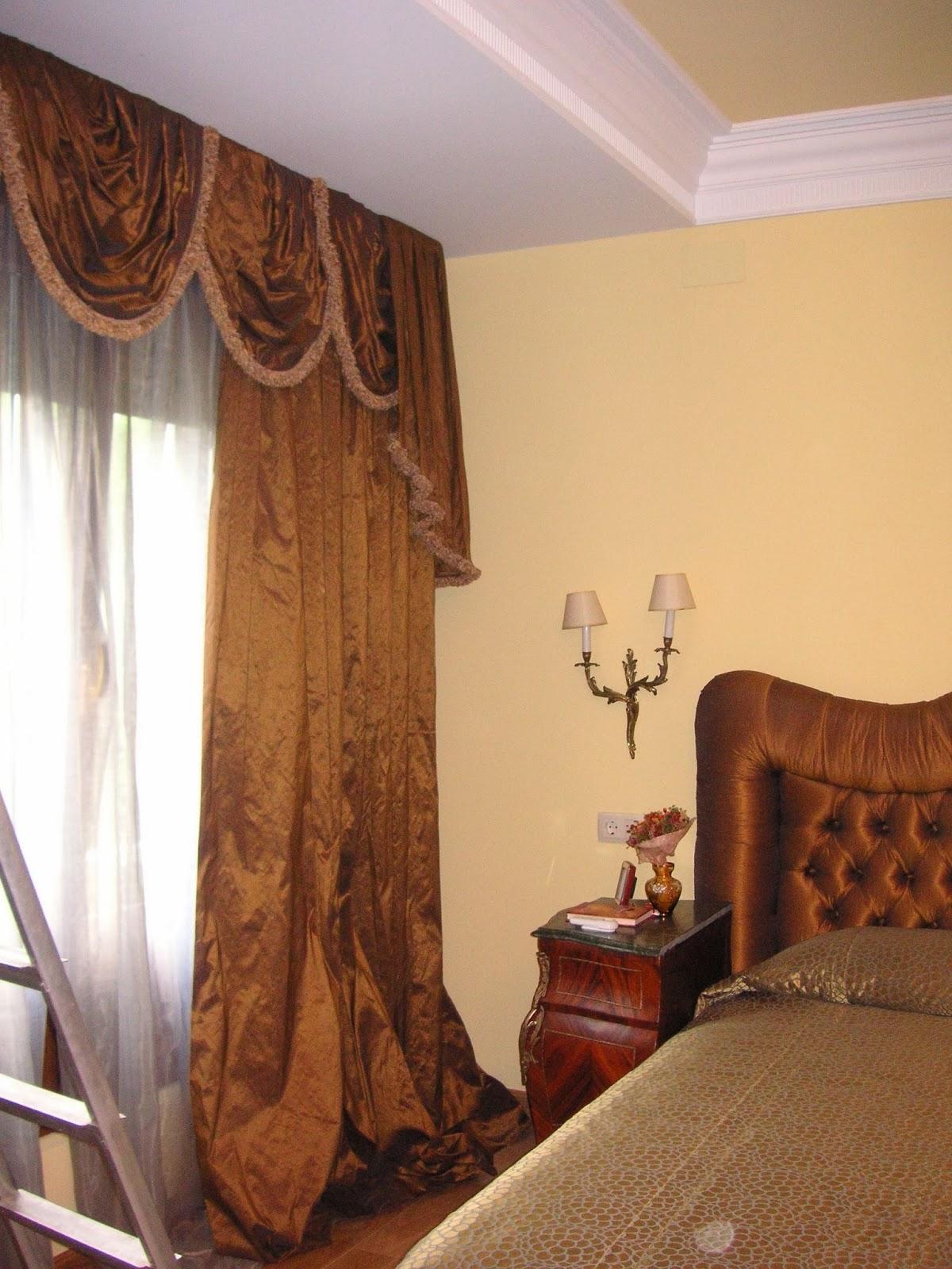Conjunto Dormitorio: Cortinas, Visillos, Cabecero y Colcha