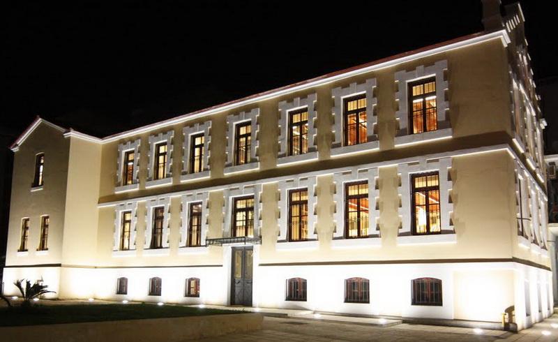 Ανοικτό εργαστήρι κεραμικής στην αυλή της Δημοτικής Βιβλιοθήκης Αλεξανδρούπολης