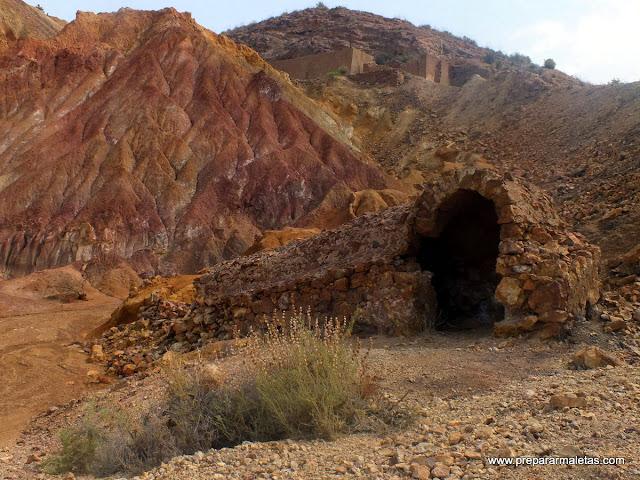 piedra y tierra en la mina