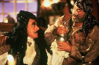Dunia Sinema Hook Captain Hook dan Mr. Smee