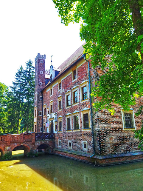 pałac na wodzie, Wojnowice, jak dojechać?