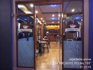 Kenangan Pada Kafe Kenangan Lamo di Ujung Bypass Bukittinggi