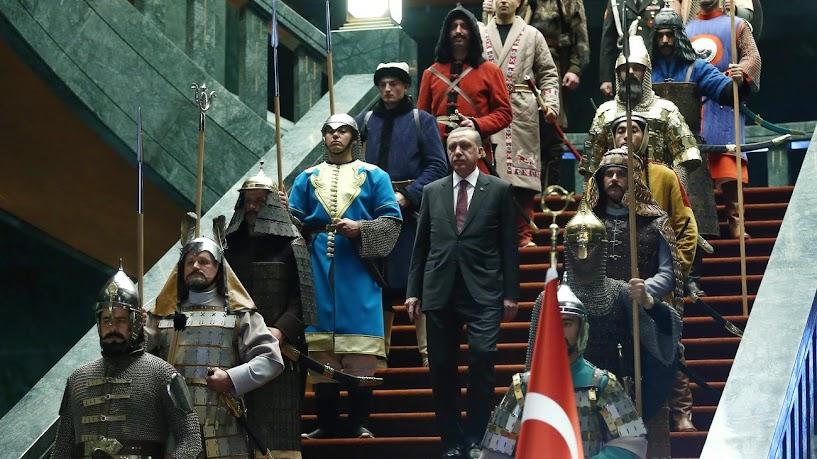Πολιτικό πογκρόμ Ερντογάν σε νέα κόμματα και «αποστάτες»