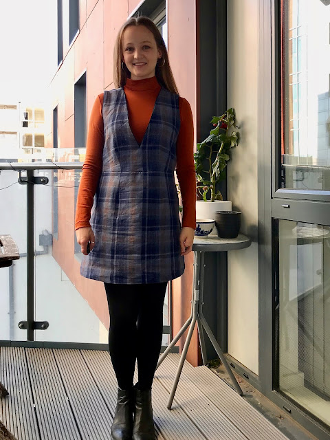 Diary of a Chain Stitcher: Plaid Seamwork Dani Dress in Linen/Cotton from The Fabric Store and Paprika Merino Nikko Top
