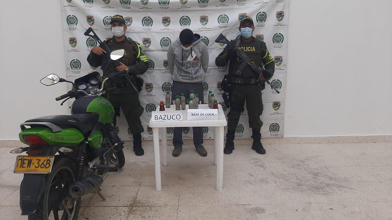 https://www.notasrosas.com/Setra captura motociclista con mil gramos de bazuco y dos mil gramos de base de coca, al sur del Cesar