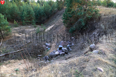 Свалка камней и мусора у хутора у села Камень
