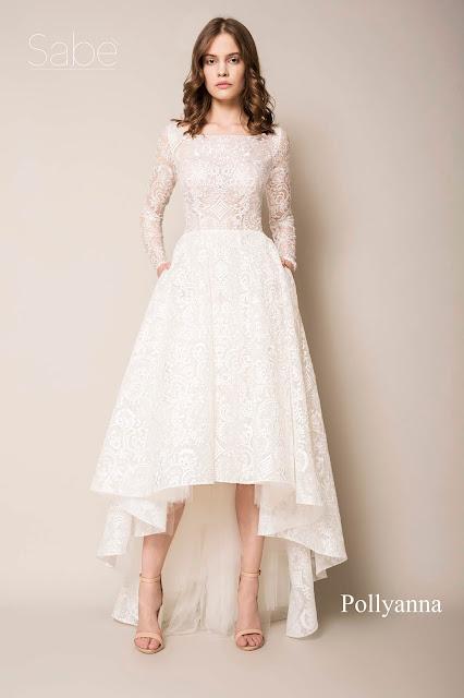 Koronkowa sukienka z błyskiem i krótszym dołem z przodu od Suknie SABE.
