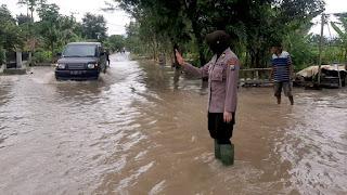 Jos, Wakapolsek Sukorejo turun langsung bantu tangani Genangan Air