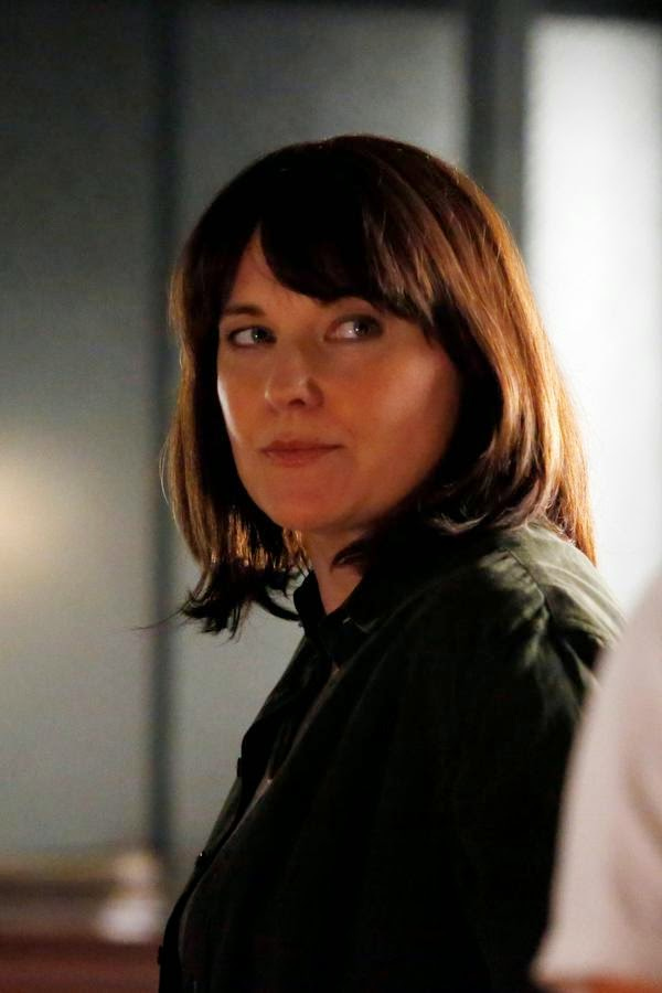Lucy Lawless como Isabelle Hartley en Agents of SHIELD