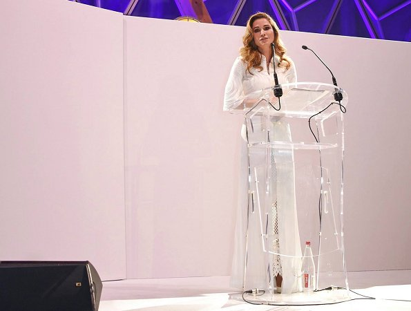Queen Rania received an award at the 2017 Fashion for Relief charity gala held within the scope of 70th Cannes Film Festival in France