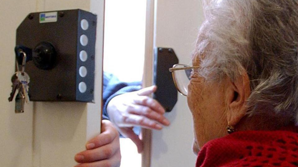 anziani derubati