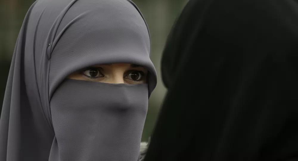 """""""إهانة وتطرف""""... دولة آسيوية تعتزم حظر النقاب وإغلاق ألف مدرسة إسلامية"""